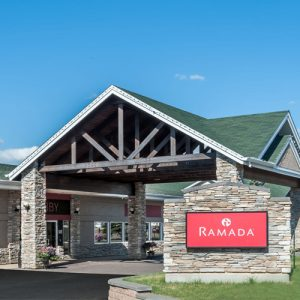 Great White North Accomodations Ramada